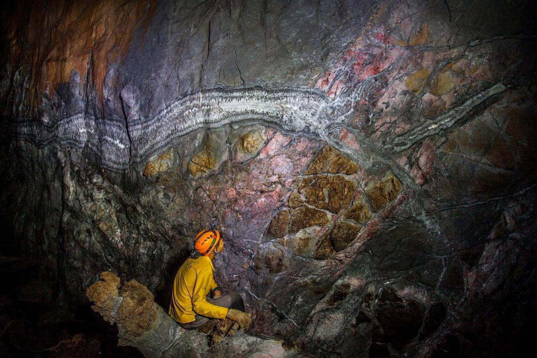 Самая запутанная пещера в мире