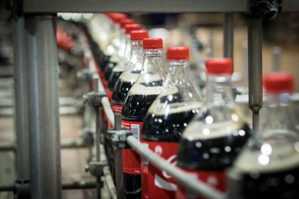 Картинки по запросу кока-кола производство