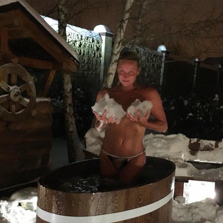 Видео из бани голой волочковой