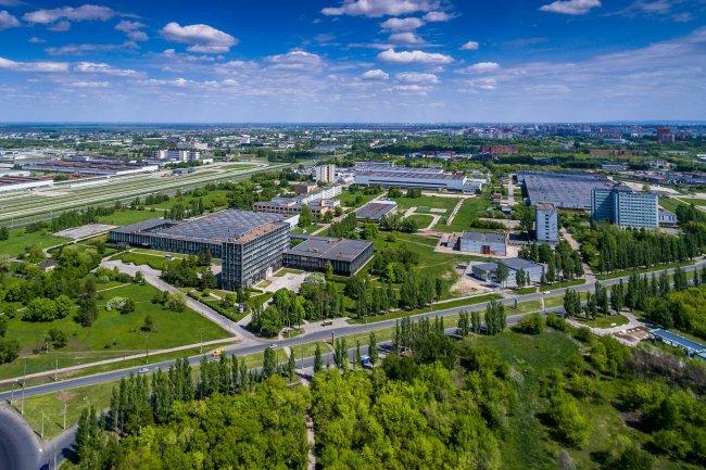 150617642915awmucgljcy5saxzlam91cm5hbc5jb20vemrvcm92cy8xnjyynzg0ni80mdu3mdavnda1nzawx29yawdpbmfslmpwzz9fx2lkptk4mjg1 - Фото завода автоваз в тольятти