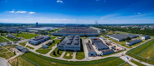 150617645529awmucgljcy5saxzlam91cm5hbc5jb20vemrvcm92cy8xnjyynzg0ni83nzywmjavnzc2mdiwx29yawdpbmfslmpwzz9fx2lkptk4mjg1 - Фото завода автоваз в тольятти