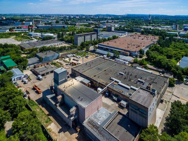 150617646434awmucgljcy5saxzlam91cm5hbc5jb20vemrvcm92cy8xnjyynzg0ni83njk0odivnzy5ndgyx29yawdpbmfslmpwzz9fx2lkptk4mjg1 - Фото завода автоваз в тольятти