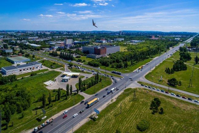 150617647138awmucgljcy5saxzlam91cm5hbc5jb20vemrvcm92cy8xnjyynzg0ni83nze3mjivnzcxnziyx29yawdpbmfslmpwzz9fx2lkptk4mjg1 - Фото завода автоваз в тольятти