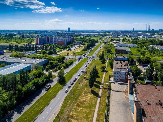 150617647540awmucgljcy5saxzlam91cm5hbc5jb20vemrvcm92cy8xnjyynzg0ni83nja4otqvnzywodk0x29yawdpbmfslmpwzz9fx2lkptk4mjg1 - Фото завода автоваз в тольятти