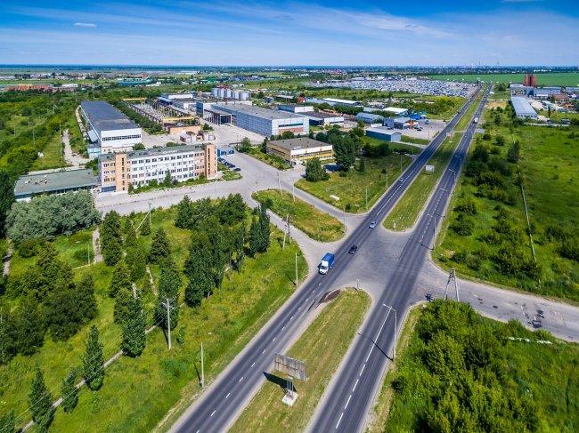 150617650154awmucgljcy5saxzlam91cm5hbc5jb20vemrvcm92cy8xnjyynzg0ni83njq2mduvnzy0nja1x29yawdpbmfslmpwzz9fx2lkptk4mjg1 - Фото завода автоваз в тольятти